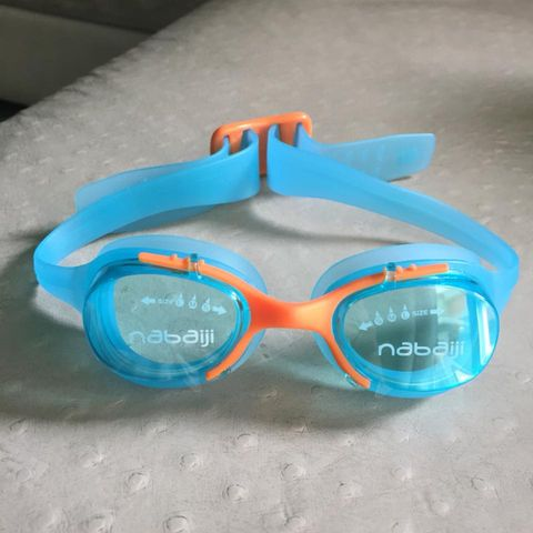 แว่นตาว่ายน้ำเด็ก nabaiji รุ่น xbase junior