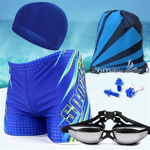 Sports กางเกงว่ายน้ำชาย พร้อมหมวกว่ายน้ำ แว่นตาว่ายน้ำ ที่หนีบจมูก ที่อุดหู และกระเป๋าพกพา รุ่น Complete Set (สีฟ้าเหลืองเล่นลาย) ครบชุด